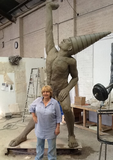 Contemporary British Scultptor Bushra Fakhoury working on Dunamis(web)