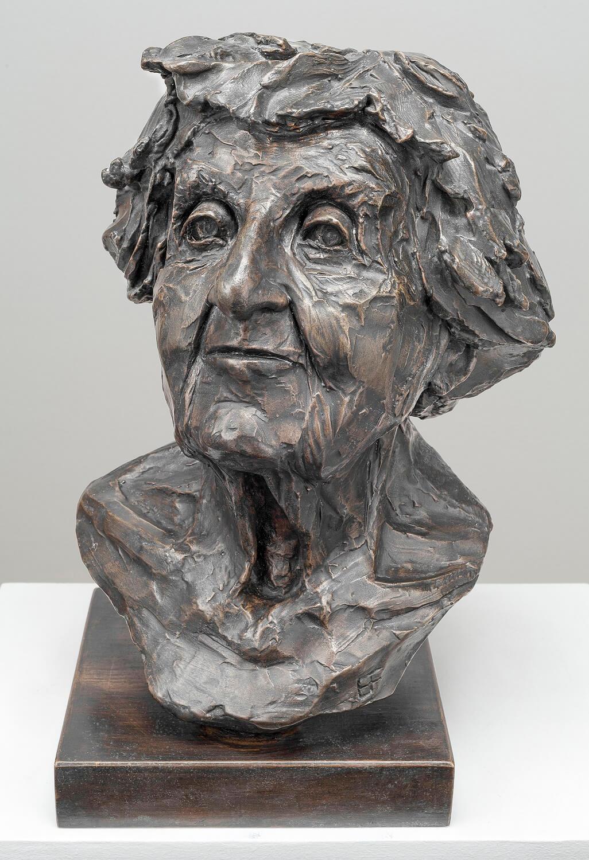 Ilse Fader (Bronze-Resin) 45cm x 27cm x 27cm