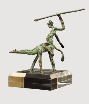 Giraffe Warrior (Bronze) H18cm x W16cm x D9cm copy