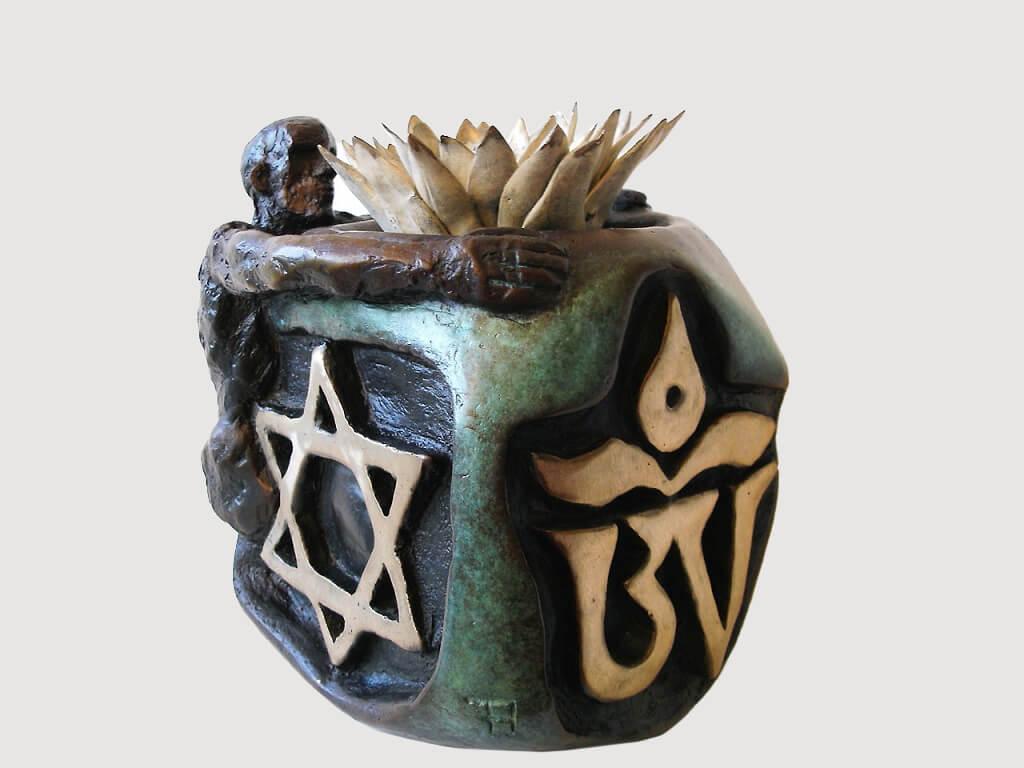 Lotus-Piece-Bronze-25cm-x-23cm-x-23cm