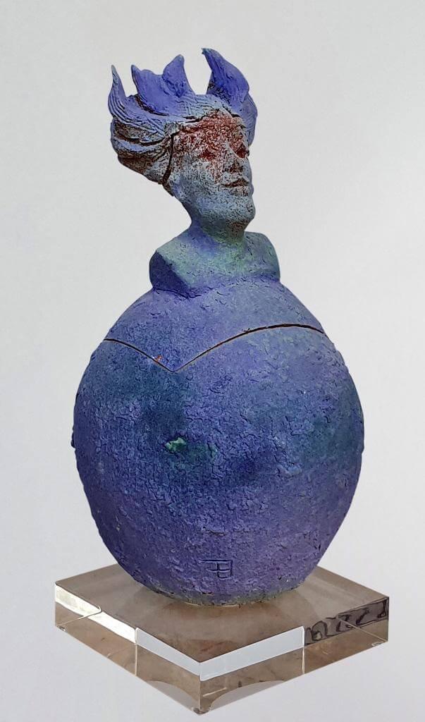 Dora- Ceramic (H32cm-W15cm-D12cm)