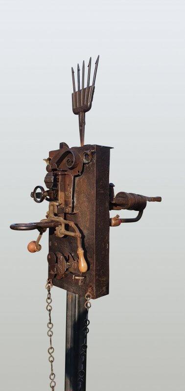 Warlock [closeup](Metal & Glass) 169 x 39cm x 59cm